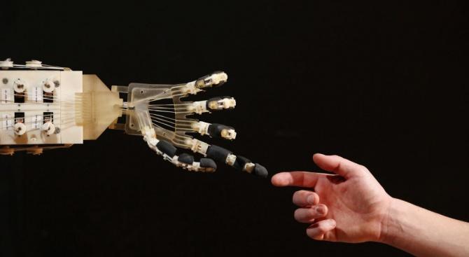 В Тунис изкуствен интелект и роботи срещу пандемията