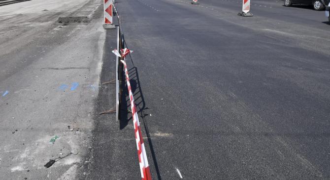 Променят временно движението в центъра на София заради полагането на последен пласт асфалт