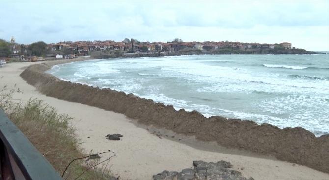 Правителството определя концесиите на три плажа