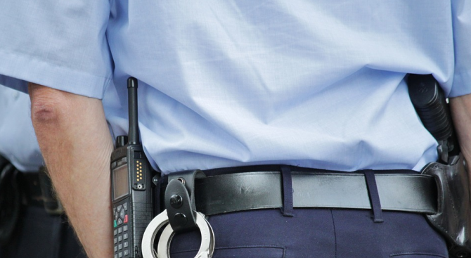 Близо 300 румънски полицаи са заразени с новия коронавирус