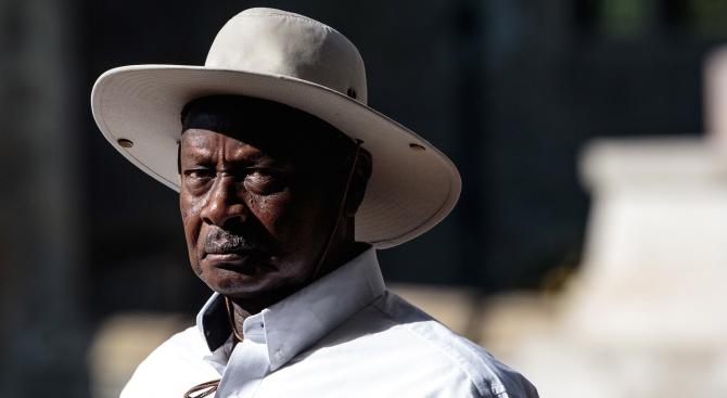 Угандийските депутати си гласуваха бонуси за милиарди