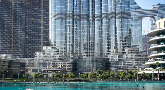 """Емблематичният мол """"Дубай"""" отново отвори врати"""