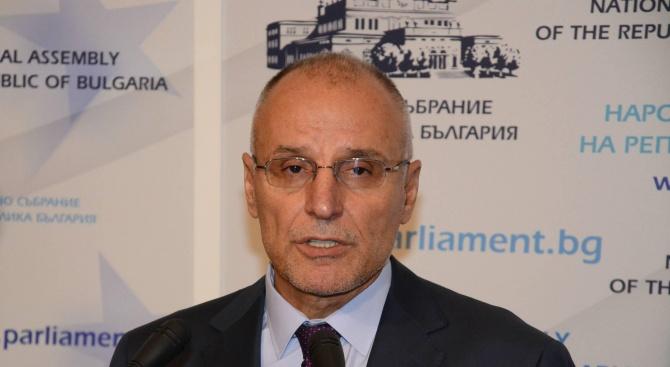 Управителят на БНБ: Изключено е българският лев да се обезцени