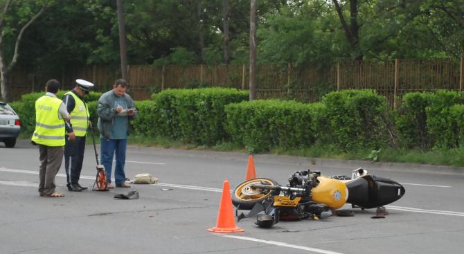 Моторист е катастрофирал в село Балкански. Това съобщиха от ОДМВР