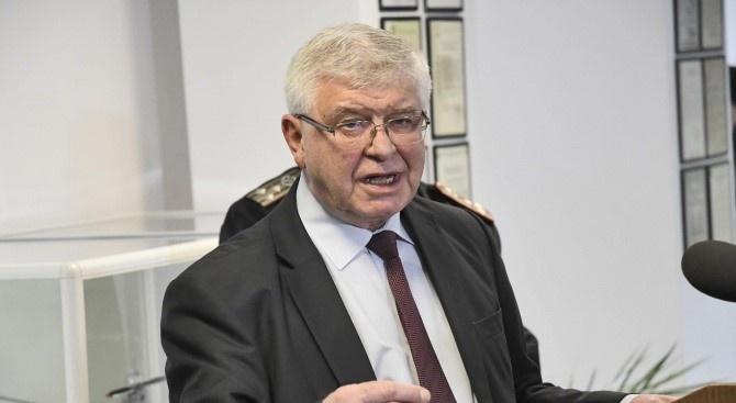 С нова заповед на Кирил Ананиев се забранява износът на лекарствени продукти