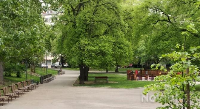 Няма струпване на хора по парковете в София въпреки почивния ден и хубавото време