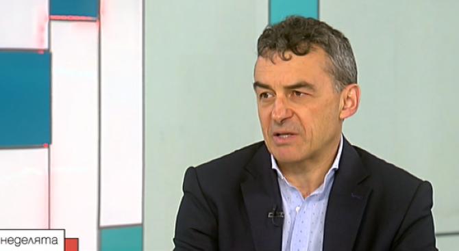 Проф. Иво Петров: Малко вероятно е да се открие много ефикасна ваксина срещу COVID-19