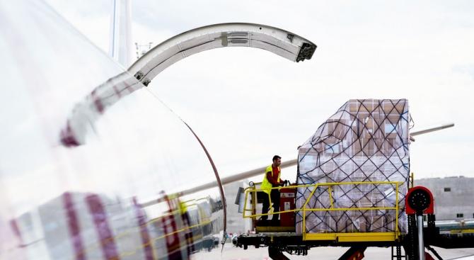 Турски военен самолет, транспортиращ медицинска помощ за Сомалия, е кацнал