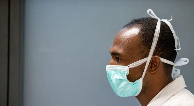 Нигерия обяви, че голям брой мистериозни смъртни случаи напоследък се дължат на коронавируса