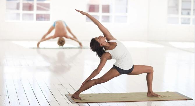 Йогата може да помогне на хората, страдащи от мигрена, да