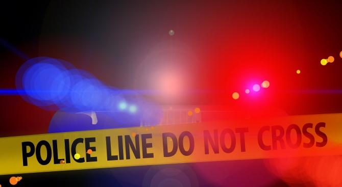 Двама простреляни в краката след сбиване