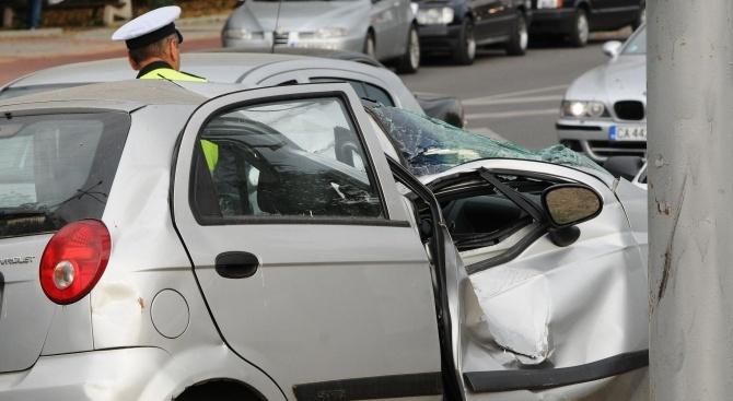 Друсан шофьор катастрофира в опит да избяга от полицаи