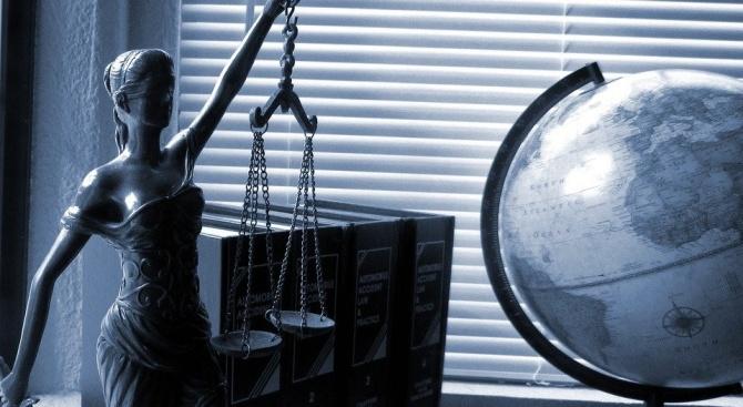 Адвокати: Производството по стабилизация не е задължително, но по време на криза е особено приложимо