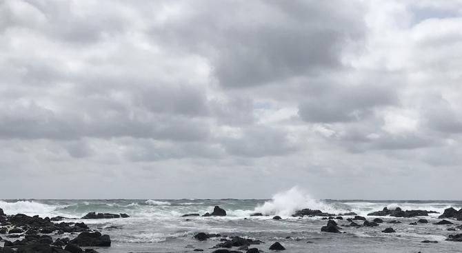Мощен тайфун връхлетя  Филипините
