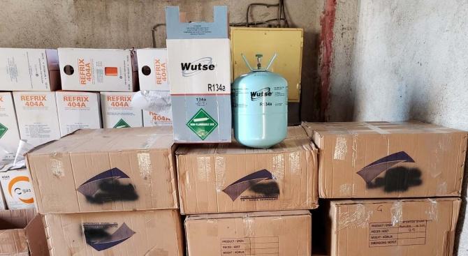 Опит за контрабанден внос на хладилен агент предотвратиха митническите служители