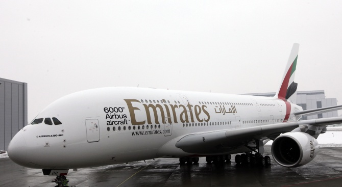 Авиокомпанията Emirates планира съкращаване на около 30 000 работни места