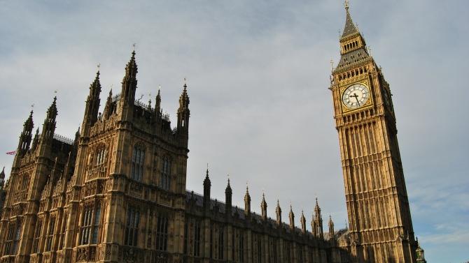 Обединеното кралство ще налага 14-дневна карантина на посетителите от чужбина