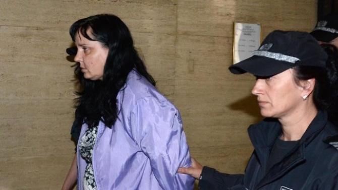 Акушерката, пребила новородено, отново се изправя пред съда