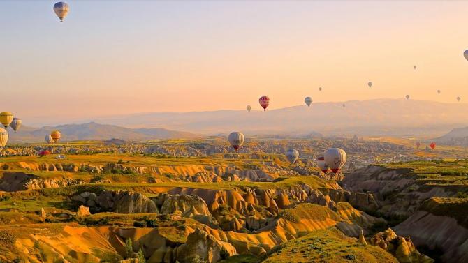 Турция отчита рязък спад на туристите през април заради пандемията