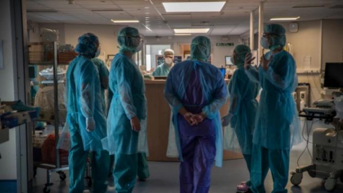 Продължава да намалява броят на болните от COVID-19 в реанимация във Франция