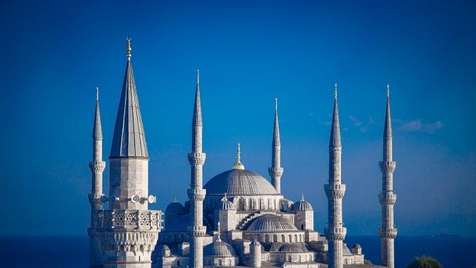 Четиридневен полицейски час в Турция заради Рамазан Байрам