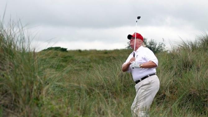 Доналд Тръмп игра голф за пръв път от началото на епидемията