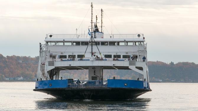 Гърция възобнови от тази сутрин фериботните услуги до всички острови