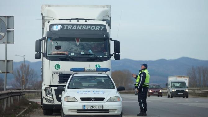 Ще ни връчват ли фишовете за нарушения директно на пътя?