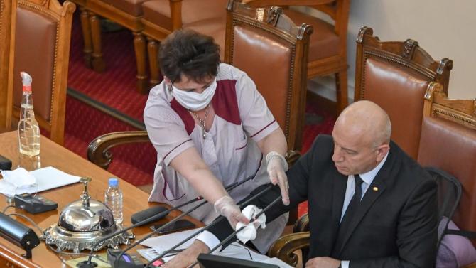 Противоепидемичните мерки на Народното събрание са на стойност 54 243