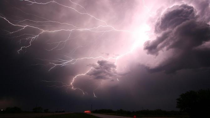 Всяка година в дадени периоди се разразяват гръмотевични бури с