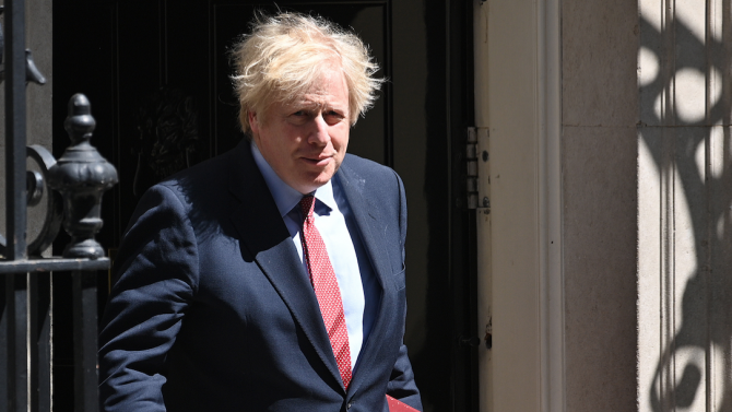 Британският премиер Борис Джонсън призна, че зрението му се е