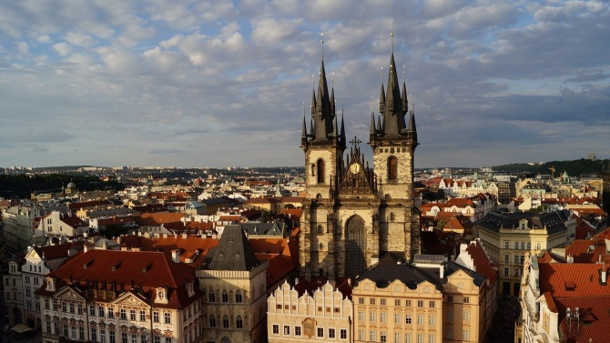Чехия отвори КПП-та си по сухопътните граници с Австрия и Германия