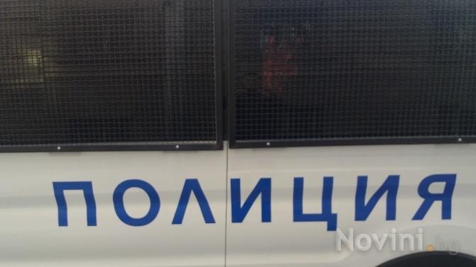 Мъж на 24 години и 22-годишна жена са задържани във