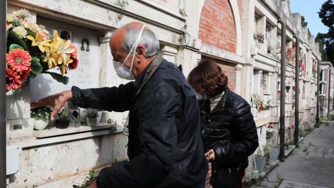 Починалите от COVID-19 в Италия за последните 24 часа са