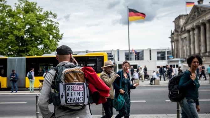 Правилата за социална дистанция в Германия ще се прилагат до 29 юни