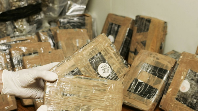 Откриха нови над 250 кг кокаин в Студентски град