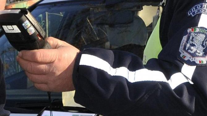 """""""Пътна полиция"""" задържа шофьор на ТИРс 2.43 промила алкохол на"""