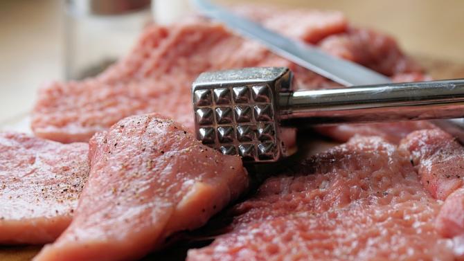1 тон месо без документи за произход откриха служители на
