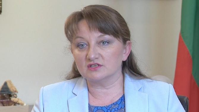 """Сачева призна за """"лавинообразната"""" регистрация на безработни, но увери, че проблемът вече утихва"""