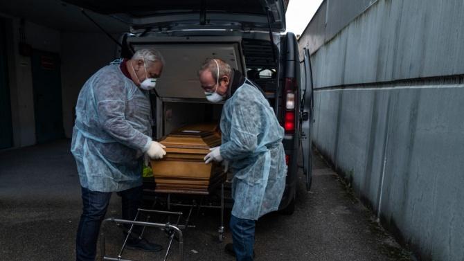 Седми пореден ден починалите от COVID-19 във Франция са под 100
