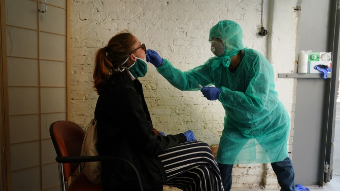 Броят на потвърдените случаи на коронавирус в Германия се увеличи с 353
