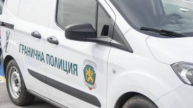 """Двама разследващи от """"Гранична полиция"""" арестувани за подкуп"""