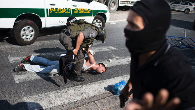 Израелски войници застреляха днес палестински нападател, който се опитал да