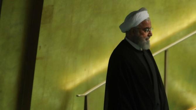 Държавните служители се върнаха днес на работа в Иран, а