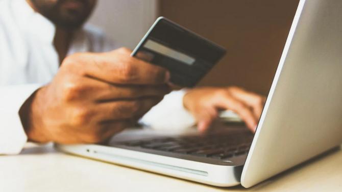 """Внимавайте: Компания за онлайн търговия събира незаконна такса """"коронавирус"""""""