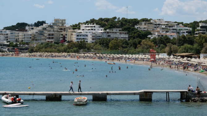 Само половината от целогодишните хотели в Гърция смятат да отворят