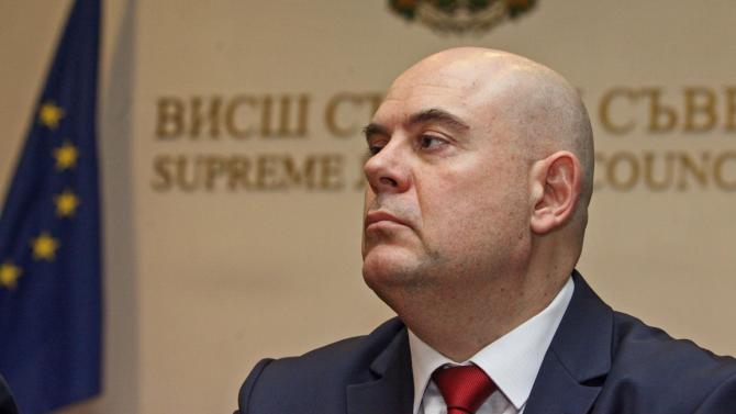 Гешев категоричен: Божков прави същото като Цветан Василев – опитва се да дестабилизира държавата