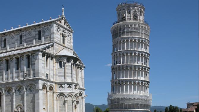 Наклонената кула в Пиза отново бе отворена за туристи като