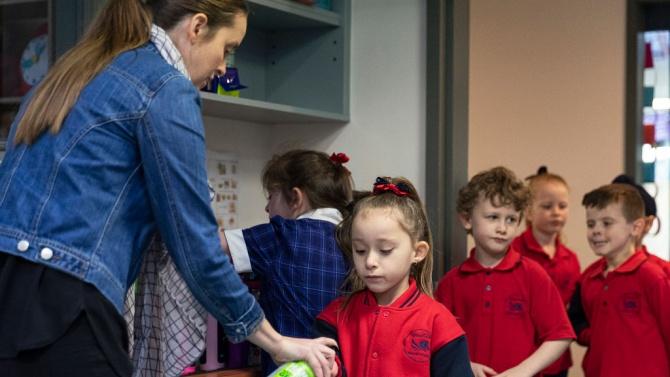 В Израел училищата остават отворени