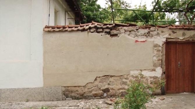Тежка катастрофа! Кола излетя от пътя и уби две жени в Пазарджишко